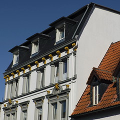 Take A Look Up (RadarO´Reilly) Tags: iserlohn mk märkischerkreis nrw germany architektur architecture fassaden facades dächer roofs rooftops quadrat square