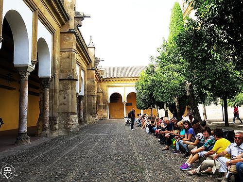 Turistas en la  Mezquita de Córdoba