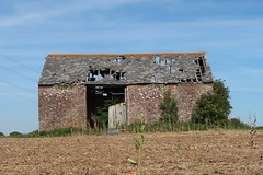 Dilapidated Barn (MonkeysBirthday) Tags: barn eastsussex hailsham arlington rural building architecture abandoned