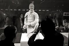 Terracotta Army. Xian (Igorza76) Tags: china asia fuji xian oporrak txina fujixt10 world heritage de army la site republic terracotta unesco east peoples mausoleum soldiers 中国 oriental popular 西安 shi república qin terracota huang mausoleo humanidad patrimonio figura guerreros 中华人民共和国 bw white black blanco museum negro museo estatua sculptures xt10