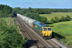 d37756 (15c.co.uk) Tags: freightliner class66 66613 6l44 syston