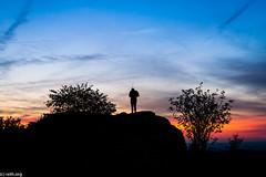 (der-kruemel) Tags: 1835 1835mm 70d brunhildisfelsen canon canoneos70d eos felsen flora groserfeldberg hessen himmel horizont kirche mann sigma sigma1835mm sigma1835mmf18 sigma1835mmf18dchsm siluette sky sonne sonnenuntergang sun sunset taunus wolken 3138