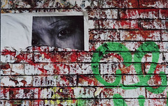 Les murs. (Adrien GOGOIS) Tags: film vintage manual camera old legacy classic lens wall paint street art poster eye red color colorful green artist brick tag paris france city life scene 50mm perspective