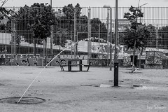Fuente sedienta (profesorxproyect) Tags: nikon d7100 50mm byn blackandwhite blancoynegro bw bn callejera ciudad city madrid streetphotography street spain manzanares madridrio