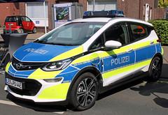 Electric police car (Schwanzus_Longus) Tags: delmenhorst german germany modern car vehicle electric drive police law enforcement polizei opel ampera e chevrolet bolt