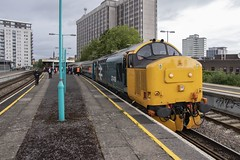 37418 at Cardiff Queen St. (Dai Lygad) Tags: photos photographs pictures images freetouse stock flickrstock jeremysegrott flickr transportforwales tfw rhymneyvalley 17thjune 2019 37418 class37 0743rhymneytocardiffcentral cardiffqueenst locomotivehauled locohauled publictransport travel wales southwales uk