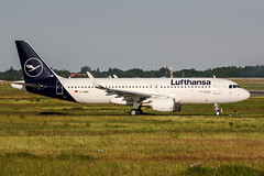 D-AIWG (PlanePixNase) Tags: aircraft airport planespotting haj eddv hannover langenhagen airbus lufthansa 320 a320