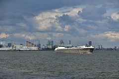 Rotterdam (Hugo Sluimer) Tags: haven havenfotografie havenfoto harbour harbourphoto harbourphotography nederland zuidholland holland nikon nikond500 d500 onzehaven portofrotterdam port