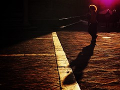 evening glow (paddy_bb) Tags: olympusomd paddybb mft microfourthirds wwwpatblogde 2019 licht travel italien italy italia silhuette abendlicht sunset tuscany pienza toskana sun shadow gegenlicht