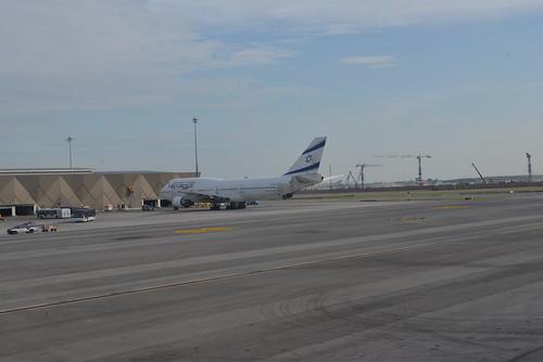 El AL 4X-ELE 747-400 BKK 12-1-17