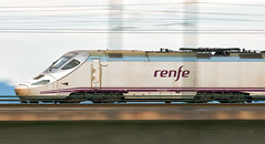 Alvia. (joseramongonzalez544(Checha)) Tags: tren renfe ferrocarril panning barrido puente nikon d850