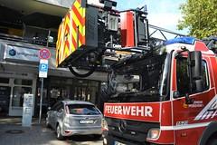 Pforzheim - Kaminbrand Fußgängerzone - 09.09.2018 (GoldstadtTV) Tags: kaminbrand fusgängerzone sägewerk feuerwehr unitymedia drehleiter dlk