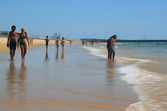 Setembro no Algarve (Zéza Lemos) Tags: praia portugal água mar pessoas areia algarve oceanoatlântico ondas oceano rochas marés sol surf gaivotas vilamoura banhos