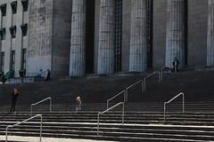 (Observer ☼☼) Tags: escadaria staircase people pessoas children criança joy alegria university universidade sun sol urban urbano