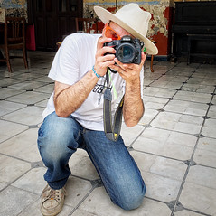 1973 (Mister Blur) Tags: anothergreatportraitbymyson ilm iphone xr iphoneography portrait mérida yucatán méxico birthday nikon d7100 50mm nikkor lens snapseed rubén rodrigo fotografía