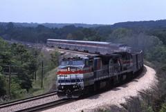 Pepsi Cans (ujka4) Tags: amtrak b328wh 516 southwestchief argyle iowa ia passengertrain curve