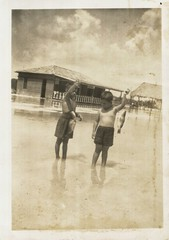 Fotos antiguas de Playa Uvero, Cuba. | Vintage photos of Uvero Beach village in central Cuba. (lezumbalaberenjena) Tags: playa uvero sagua cuba villas villa clara vintag antigua lezumbalaberenjena