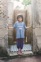 Home sweet home (Re-Edit) (vincent.lecolley) Tags: asia philippines child kid girl cute asian kambiakeke bantayan rural culture poor home house light nikon d3300