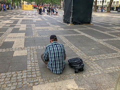 tbd obdachloser/drogenabhängiger/junkie (verchmarco) Tags: köln nordrheinwestfalen deutschland street strase people menschen city stadt road urban städtisch pavement pflaster man mann child kind adult erwachsene travel reise portrait porträt tourist school schule religion walk gehen girl mädchen music musik boy junge square quadrat luggage gepäck2019 2020 2021 2022 2023 2024 2025 2026 2027 2028 2029 2030 village naturaleza españa truck historic vowel pier ice day path