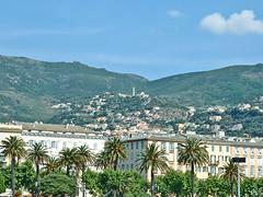 France, la Corse, la ville haute de Bastia (Roger-11-Narbonne) Tags: corse mer ile bastia port bateau place montagne village palmier arbre