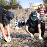 PepsiCo employees volunteering at Mithi River beach cleaning during Jallosh event by