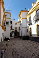 Old street (mic00l) Tags: hiver jour alcazar séville f40 24105mm street winter canon eos day shot espagne 6d provincedeséville