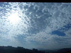 Nubes en Trapagaran (eitb.eus) Tags: eitbcom 34279 g1 tiemponaturaleza tiempon2019 primavera bizkaia valledetrapagatrapagaran belenajuriaguerra