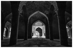 Mezquita Vakil , Shiraz (bit ramone) Tags: irán mezquita mosque vakil shiraz شیراز جمهوریاسلامیایران bitramone viajes pentax travel blanckandwhite monocrome blancoynegro
