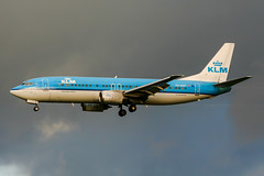 PH-BDT (PlanePixNase) Tags: amsterdam ams eham schiphol planespotting airport aircraft klm boeing 737 b734 737400