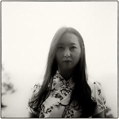 ((Jt)) Tags: rolleiflext rollei jtinseoul koreanwoman hanbok korea asia streetphotographykorea portraitphotographykorea ilford film ilfordfilm ilfordhp5 buyfilmnotmegapixels