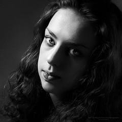 Girl - one light (Passie13(Ines van Megen-Thijssen)) Tags: studioshoot portrait portret girl onelight fineart blackandwhite bw sw zw zwartwit monochroom monochrome monochrom canon netherlands inesvanmegen inesvanmegenthijssen