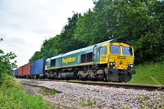 66572 (stavioni) Tags: class66 shed freightliner diesel rail railway freight railfreight train
