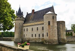 Sullly sur Loire (grassrootsgroundswell) Tags: sullly sur loire france chateau