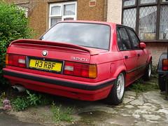 1991 BMW 320i SE Auto (Neil's classics) Tags: 1991 bmw 320i se e30 abandoned car