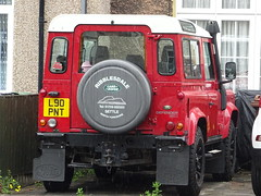 2001 Land Rover Defender 90 (Neil's classics) Tags: 2001 land rover defender 90 landrover offroad wagon