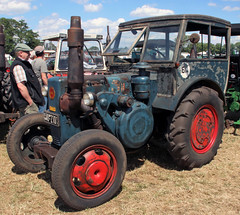 Bulldog with home built cab (Schwanzus_Longus) Tags: oyten german germany old classic vintage farm farming vehicle machine tractor lanz bulldog
