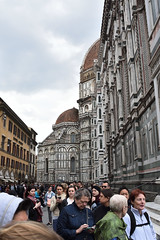 Gedränge (grasso.gino) Tags: italien italia italy toscana toskana tuscany florenz firenze nikon d7200 kirche church basilika dom duomo menschen people