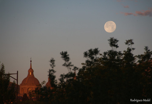 18062019 Amanecer en El Escoriall con luna llena