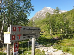 Starting our hike from Vengedalen.
