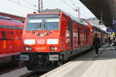DB Regio 245 037 - Ulm Hbf (Neil Pulling) Tags: ulm ulmhbf deutschebahn deutschland eisenbahn bahn train zug 245037 baureihe245