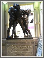 Bilderbuch Leipzig (Horst Erkrath) Tags: leipzig freistaatsachsen rathaus markt bahnhof riquet thomaskirche nikoaikirche löwenbrunnen goethe universität horst horstbostelmann horsterkrath ampelmännchen mädlerpassage panoramatower auerbachskeller völkerschlachtdenkmal barfusgässchen nikon sonydschx50 nikonp900 brauhaus bier