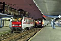 BB 26014 au départ de Paris Austerlitz (Alexoum) Tags: sybic bb26000 sncf gare paris austerlitz corail teoz bourges nuit train