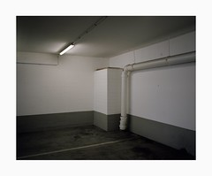 Ehrenfeld, 2019 (Darius Urbanek) Tags: 120 6x7 kodak mamiya7 portra400 analog color film mediumformat ehrenfeld bickendorf cologne köln parking