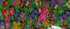 Leoncia en su hamaca. (Caty V. mazarias antoranz) Tags: cuentaatrás calor sol verano paella arlanza agua spain españa piscina familia disfrutar gozar sorprender ambiente paseos senderos amigos amor bromas descanso friends flowers fantasías greetings happyday hola hello inspain jugandoconlafotografía juegos kisses libertad leonie leoncia multicolor noalaviolencia naturaleza nature primavera risas spring tolerancia