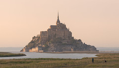 one hill town (chtimageur) Tags: roadtrip normandie mont saint michel evening landscape nature beautifull impressive natuur landschap zee sea baie baai prachtig great canon 6d mark ii