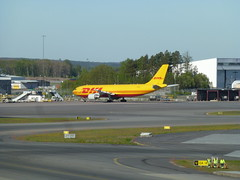 Airbus A300F4-622R (skumroffe) Tags: airbusa300f4622r airbusa300 airbus a300 dazmo dhl airplane aircraft flygplan plan plane cargoaircraft stockholmarlandaairport stockholmarlanda arlandaairport arlanda stockholmarlandaflygplats arlandaflygplats arn airport flughafen flygplats aeropuerto sigtuna stockholm sweden