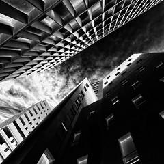 Ombre et lumière (omj11) Tags: graphique marseille tour urbain noiretblanc ombre lumiere perspective