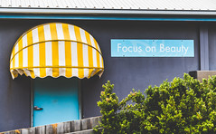 Personality and character were out of stock. (catrall) Tags: australia australien victoria nikon d750 fx sigma lens 24105 february 2019 art sigmalens focus focusonbeauty beauty outofstock stock personalityandcharacter personality character portcampbellnationalpark portcampbell nationalpark bar café restaurant door yellow blue white purple