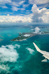 Flying over Miami, Florida (Andrea Garza ~) Tags: iphone iphonex iphonography aerial miami florida miamibeach southbeach sky island airplane emeraldocean