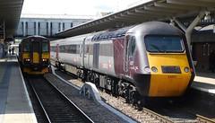 Big N Small (The Walsall Spotter) Tags: derby railway station class153 sprinter dmu 153355 crosscountry intercity125 hst class43 43207 networkrail british railways uk